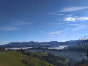 oberhalb von Nebel